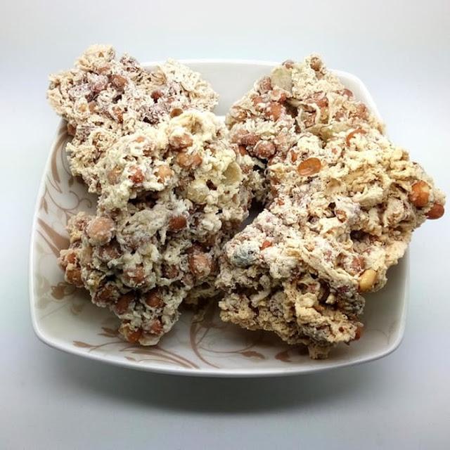 10 Kuliner Makanan Khas Bantul, Yogyakarta - Peyek Tumpuk Bantul