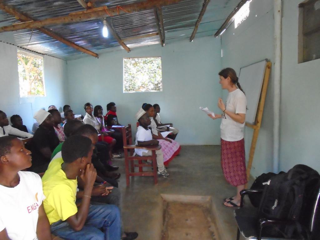 volunteer experience in Africa, community, ngo, charity, teaching, children, volunteer programs, Uganda, volunteers, team, relevant, voluntouring, voluntourism