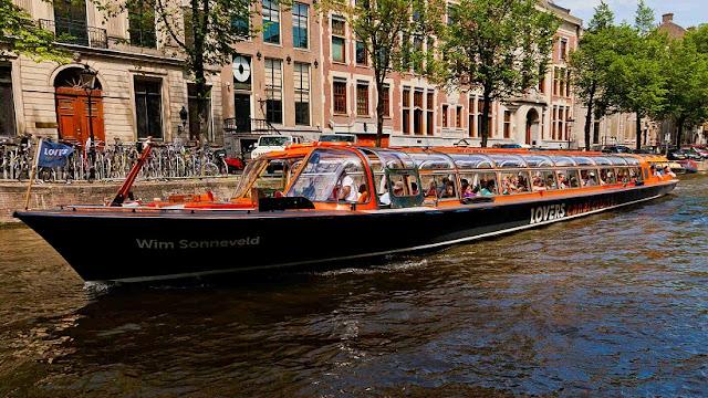 Tours de barco pelos canais em Amsterdã