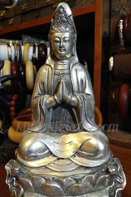 Quan Thế Âm Bồ Tát được Phật Tử thờ phụng ở khắp mọi nơi