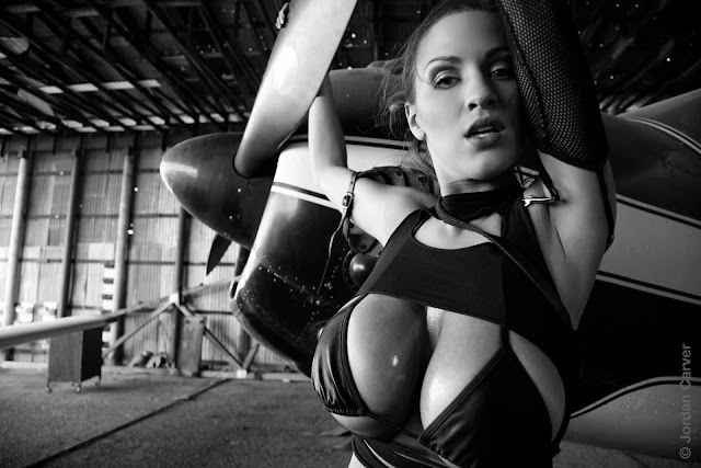 Jordan-Carver-Airplane-HD-Photoshoot-Image_10