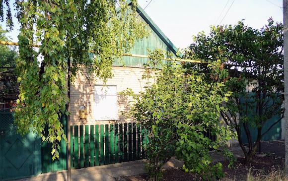 Авдеевка. Дома с забитыми фанерой окнами