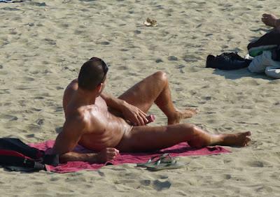 gay public sex, sexy man masturbates on the beach near others, exhib, jack off, jackoff, stroking, bate, wank, Robot Jack