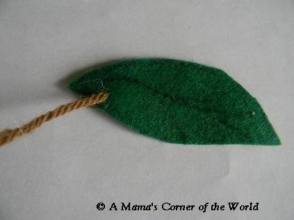 Apple tree Halloween Costume leaf @ http://www.amamascorneroftheworld.com