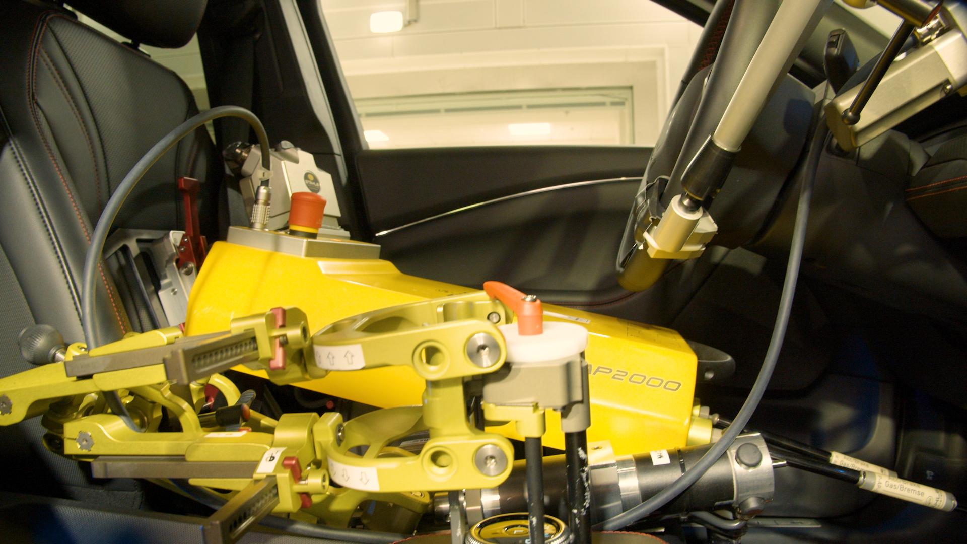 فورد: نستخدم الروبوتات كسائقين لاختبار مركباتنا وضمان جاهزيتها لمواجهة أقسى الظروف