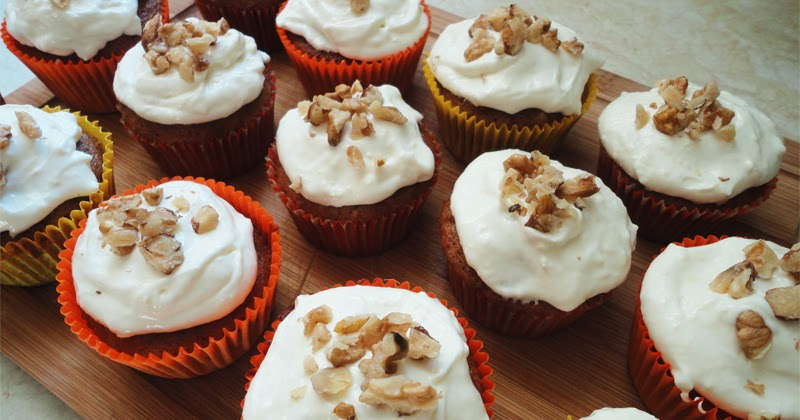 Carrot Cake Cupcakes Recipe With Cream Cheese Frosting Uk