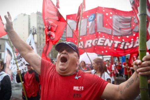 Severo ajuste impuesto por FMI dispara desempleo en Argentina