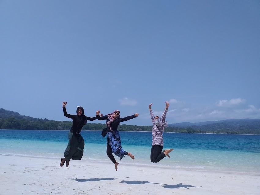 Jelajah Pulau Peucang dengan Budget Minimalis