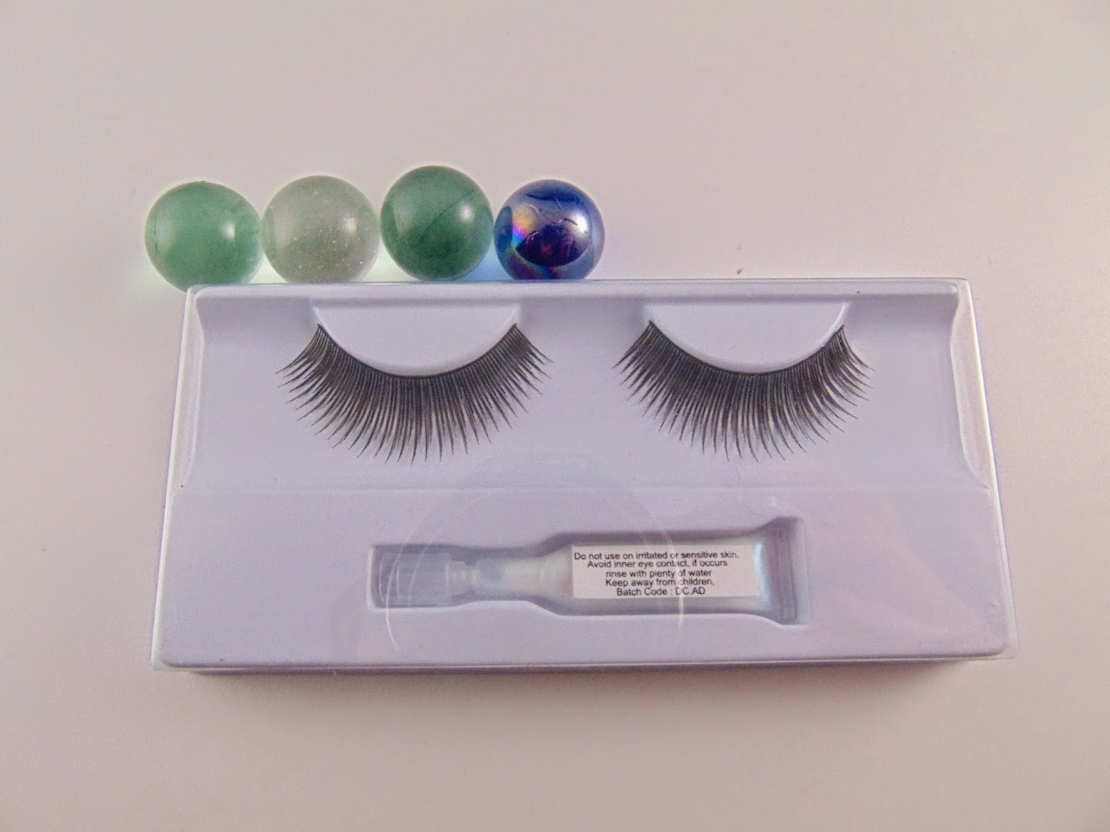 Essence Fake Lashes - www.annitschkasblog.de