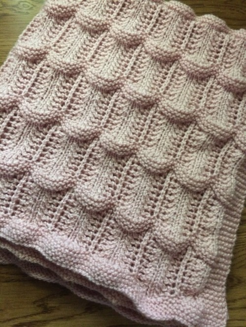 Lace Wave Throw - Free Pattern