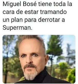 Miguel Bosé con cara de villano