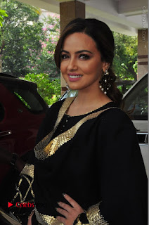 Bollywood Actress Sana Khan Launches Aakrithi Exibition  0156.JPG