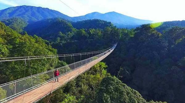Jembatan Gantung di Sukabumi