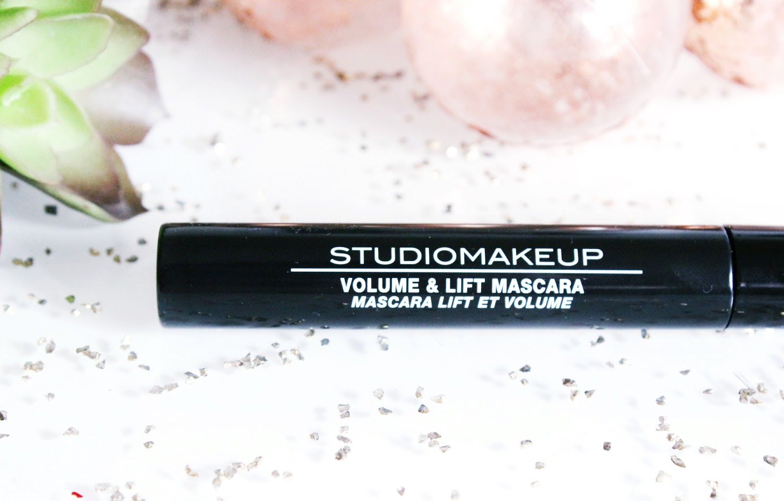 volume-lift-mascara-studiomakeup