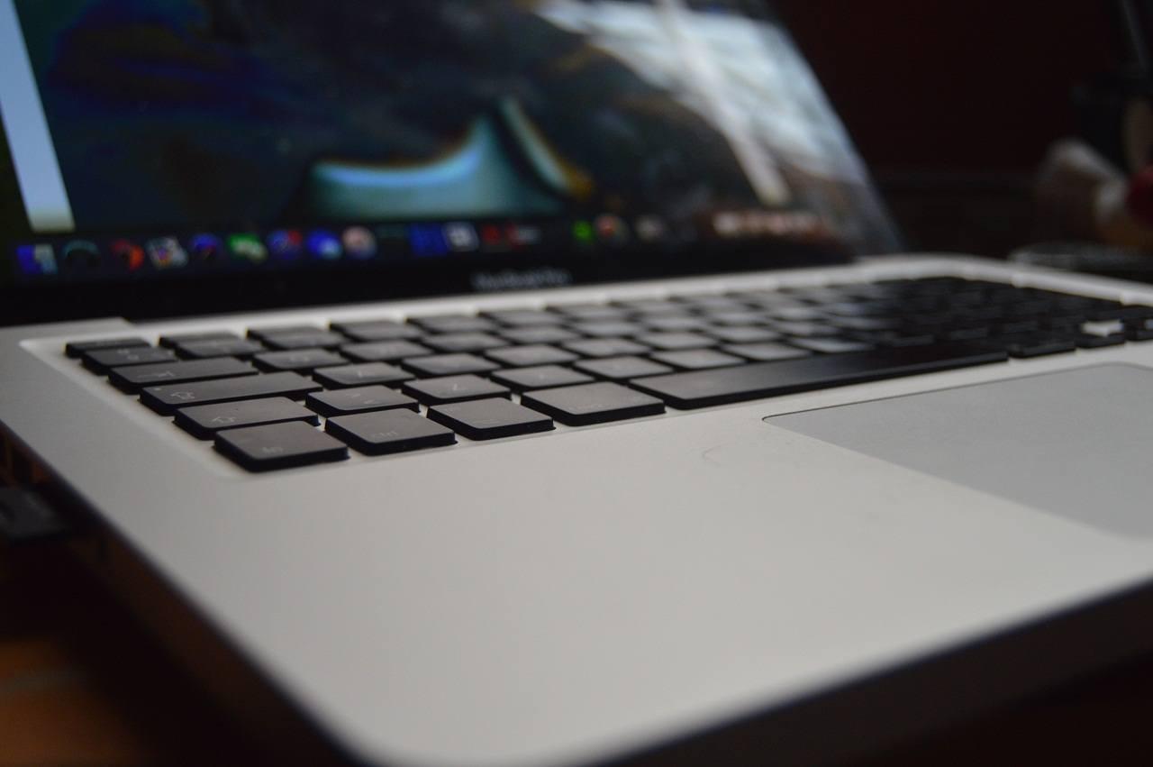tips memilih laptop yang sesuai kebutuhan