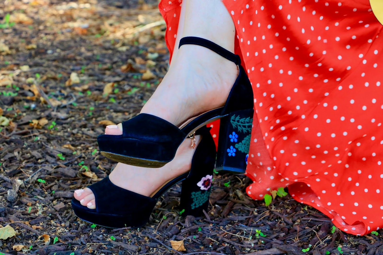 Nyc fashion blogger Kathleen Harper wearing black platform embroidered heels by Nanette Lepore.