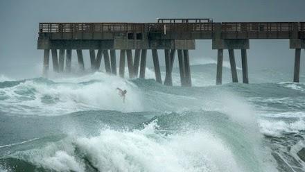 Ανεμοστρόβιλοι πλήττουν τις βορειοανατολικές ΗΠΑ, καθώς η τροπική καταιγίδα Ησαΐας σαρώνει τη χώρα