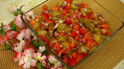 salatka z ogórków małosolnych