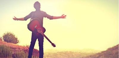 Nỗi khổ của tự học đàn guitar đệm hát