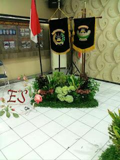 dekorasi mini tempat bendera