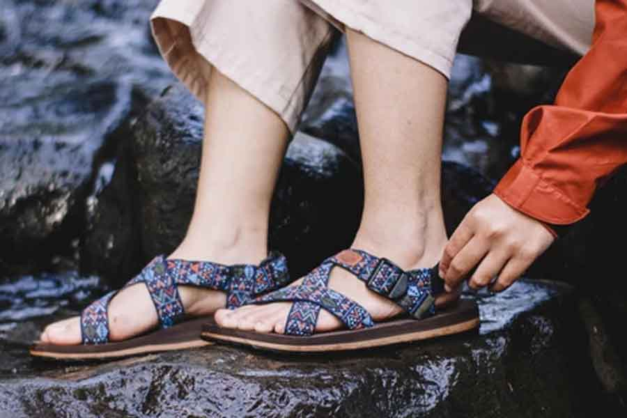 Sandal gunung wanita yang stylish