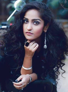 Asees Kaur birthday, age, religion, education, zodiac and more biography   असीस कौर की जीवनी