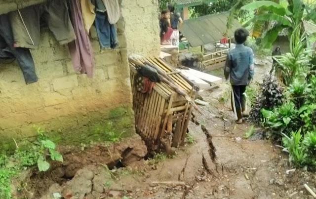 Fenomena Pergeseran Tanah Di Kecamatan Sukaresmi, Puluhan Warga Desa Rawabelut Mengungsi