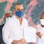 Alcalde Jesús Jerez firma acuerdo compromiso con el presidente Luis Abinader y Turismo para el inicio del Bulevar Malecón en Montecristi