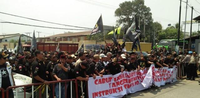 Demo Aliansi Ormas Soal Pengaturan Parkir Di Kota Bekasi