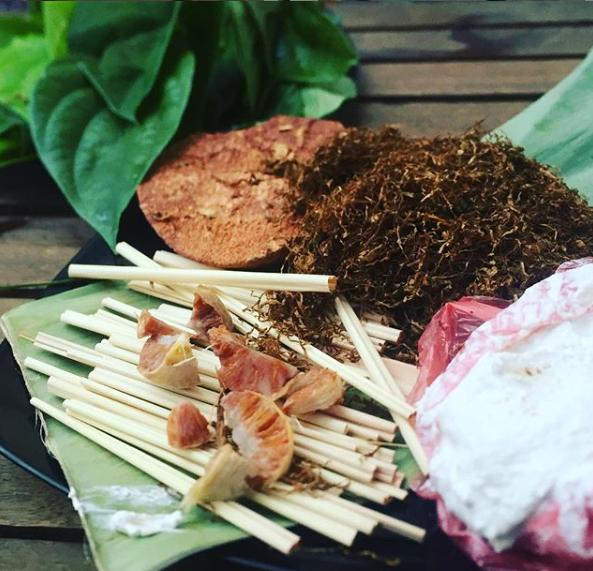 Asal-Usul Tradisi Budaya Makan Sirih