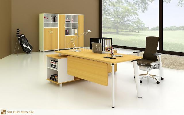 Sắc vàng tươi tắn của chiếc bàn giám đốc này tạo nét đẹp riêng biệt cho không gian cũng như mang đến nét thẩm mỹ và khoa học hơn bao giờ hết