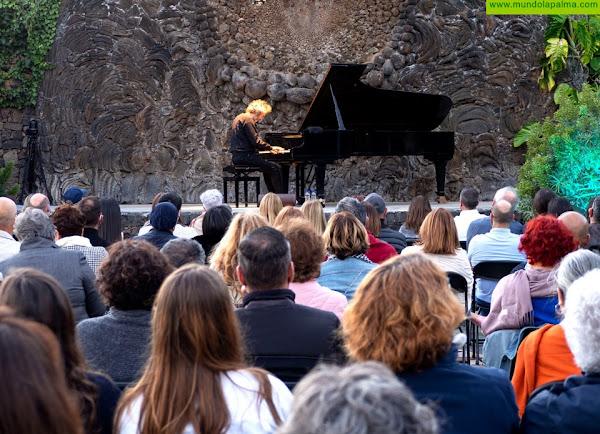 Espectacular recital del pianista James Rhodes en la Plaza de la Glorieta de Las Manchas