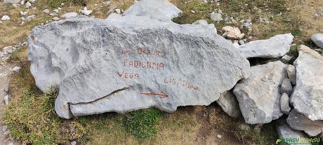 Piedra con indicaciones