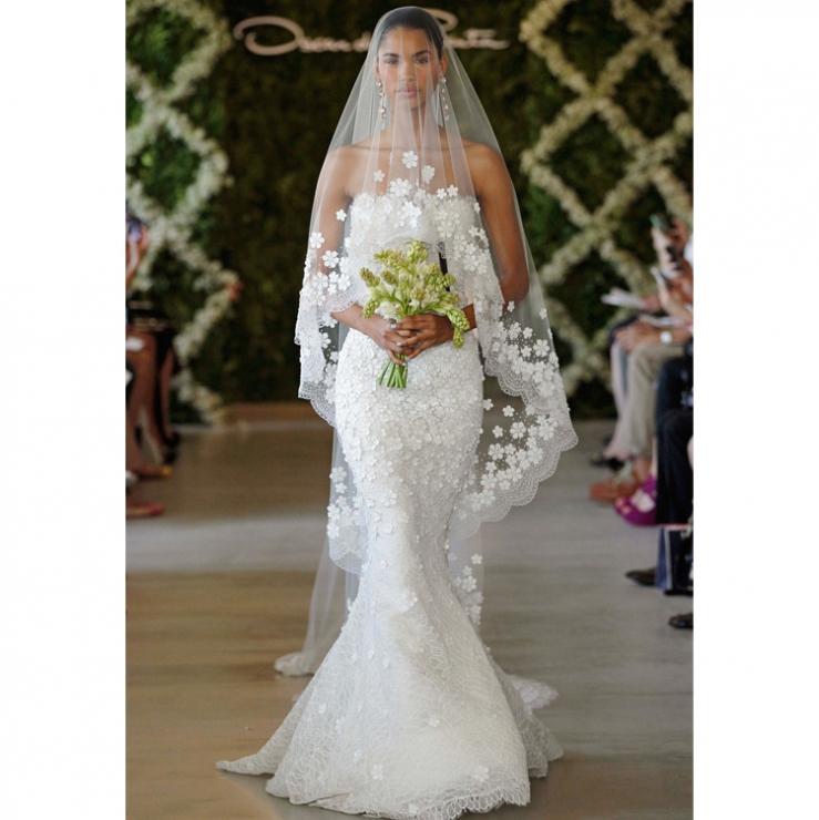 les plus belles robes de mariage anniversaire de mariage. Black Bedroom Furniture Sets. Home Design Ideas