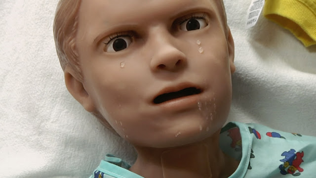 pediatric hal, robôs bizarros, androides bizarros, robôs assustadores, creepy robots