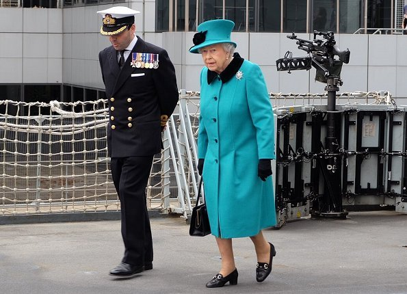 Britain's Queen Elizabeth visited Sutherland at West India Dock in London. Style of Queen Elizabeth.