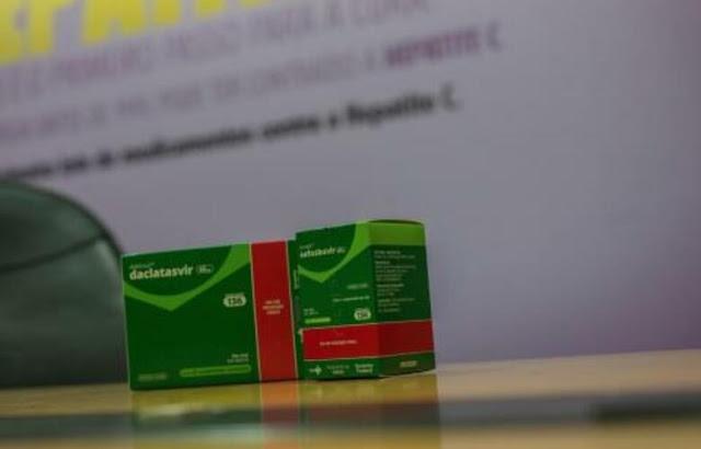 Em laboratório, antivirais contra Hepatite C conseguem conter Covid-19