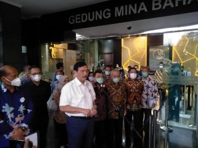 Edhy Prabowo Ditangkap KPK, Menko Luhut Tetap Dukung Ekspor Benih Lobster