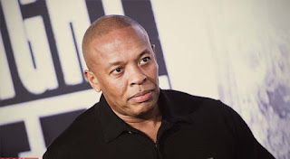 Dr. Dre (Net Worth: $ 810 juta)