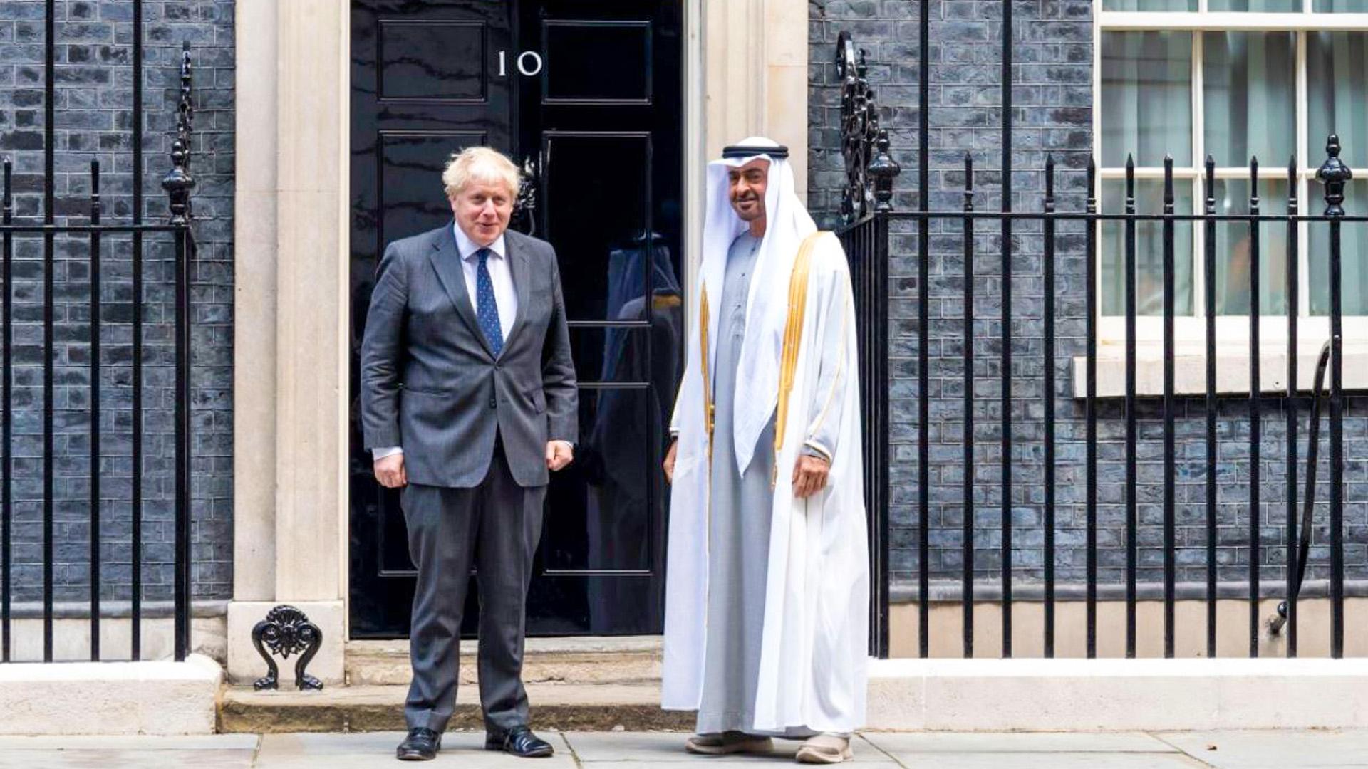 محمد بن زايد UAE يصل مقر رئاسة الوزراء البريطانية وبوريس جونسون في مقدمة مستقبليه