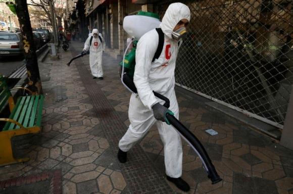 Muốn chống virus corona chủng mới, 27 người chết vì ngộ độc rượu