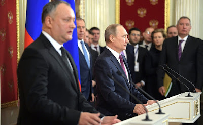 Vladimir Putin and Igor Dodon.