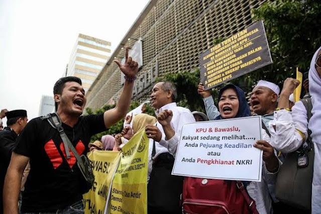 Prabowo-Sandi Masuk Kabinet, Haris Rusly: Relawan Yang Berjibaku Saat Pilpres Diapain Ya?