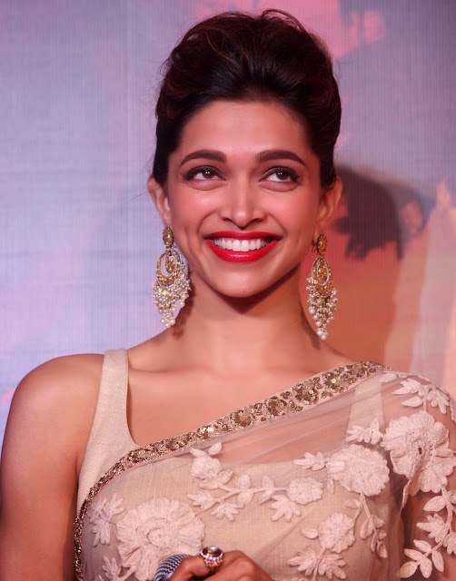 Deepika Padukone Hot Smiling Face Closeup