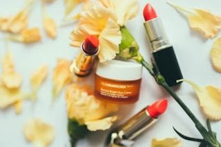 Skin care e rotinas de cuidados para pele