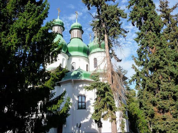 Киев. Китаево. Свято-Троицкая церковь