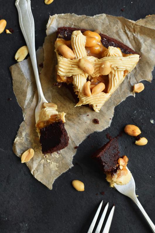 Schnell und einfaches Rezept für Snickers-Kuchen