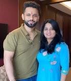 Rahul Vaidya with her sister