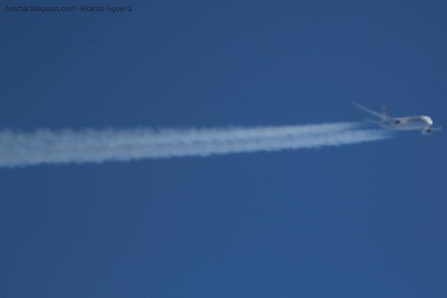 Royal Air Maroc CN-RGC Boeing 787-8 Dreamliner - easyJet OE-IVQ