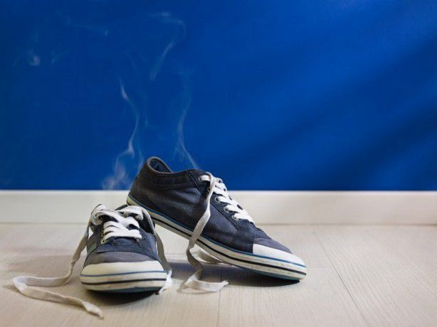 Як вирішити проблему неприємного запаху взуття: ефективні способи